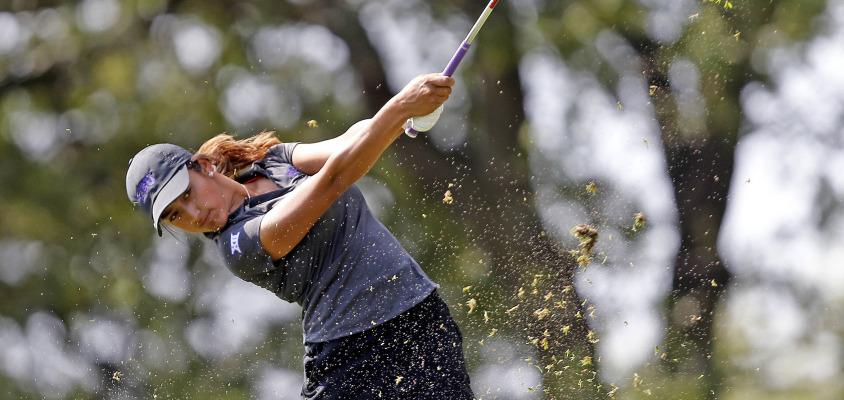 Women's golf posted a score of 925 at the Edean Ihlanfeldt tournament in Sammamish, Washington.