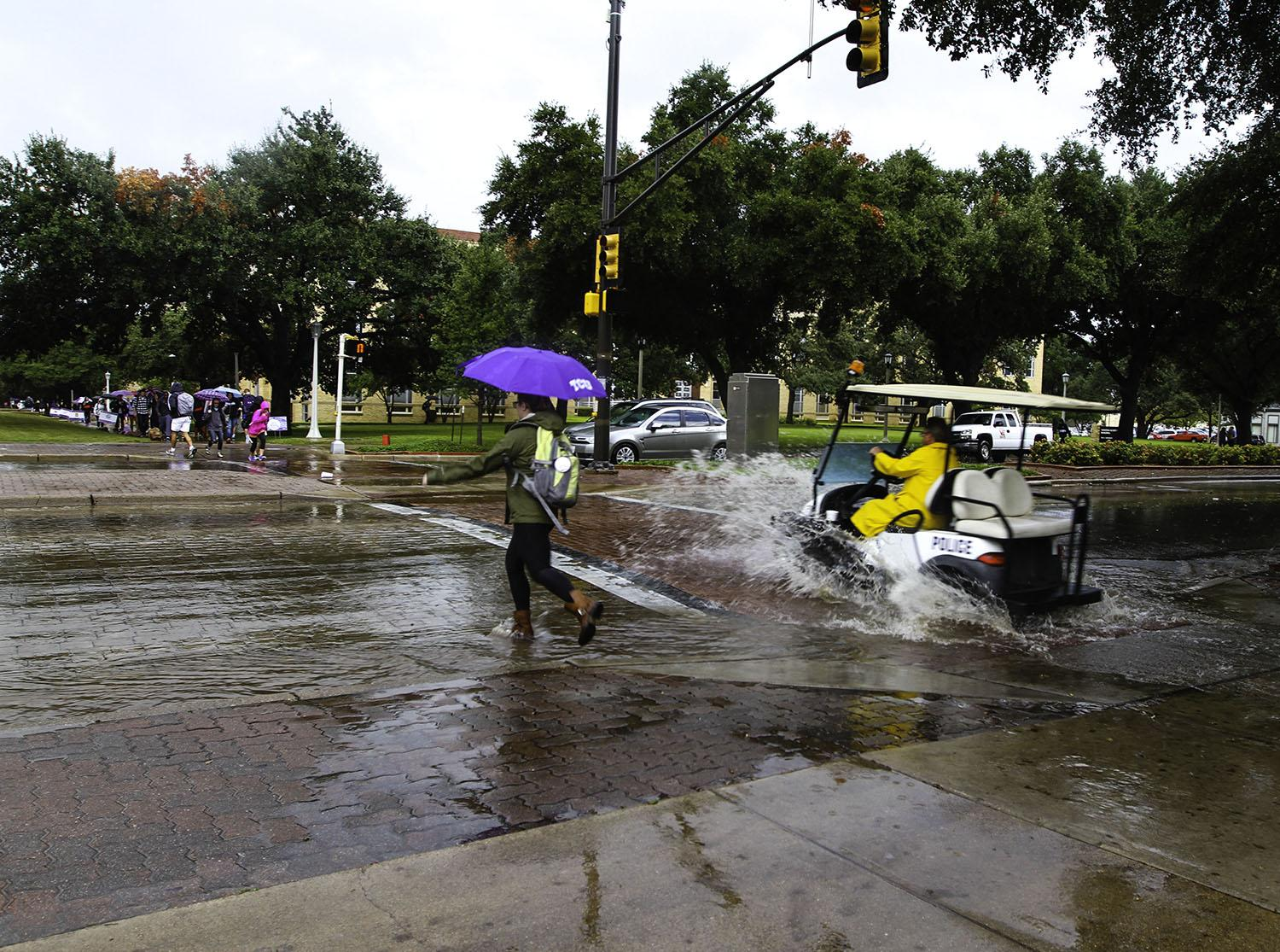 Thunderstorms affect TCU area
