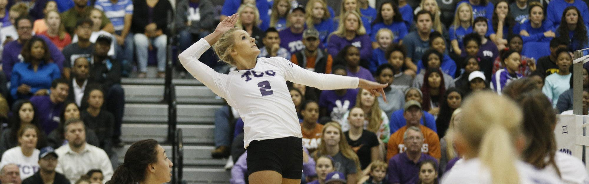 Volleyball starts slow, loses to Iowa State 0-3