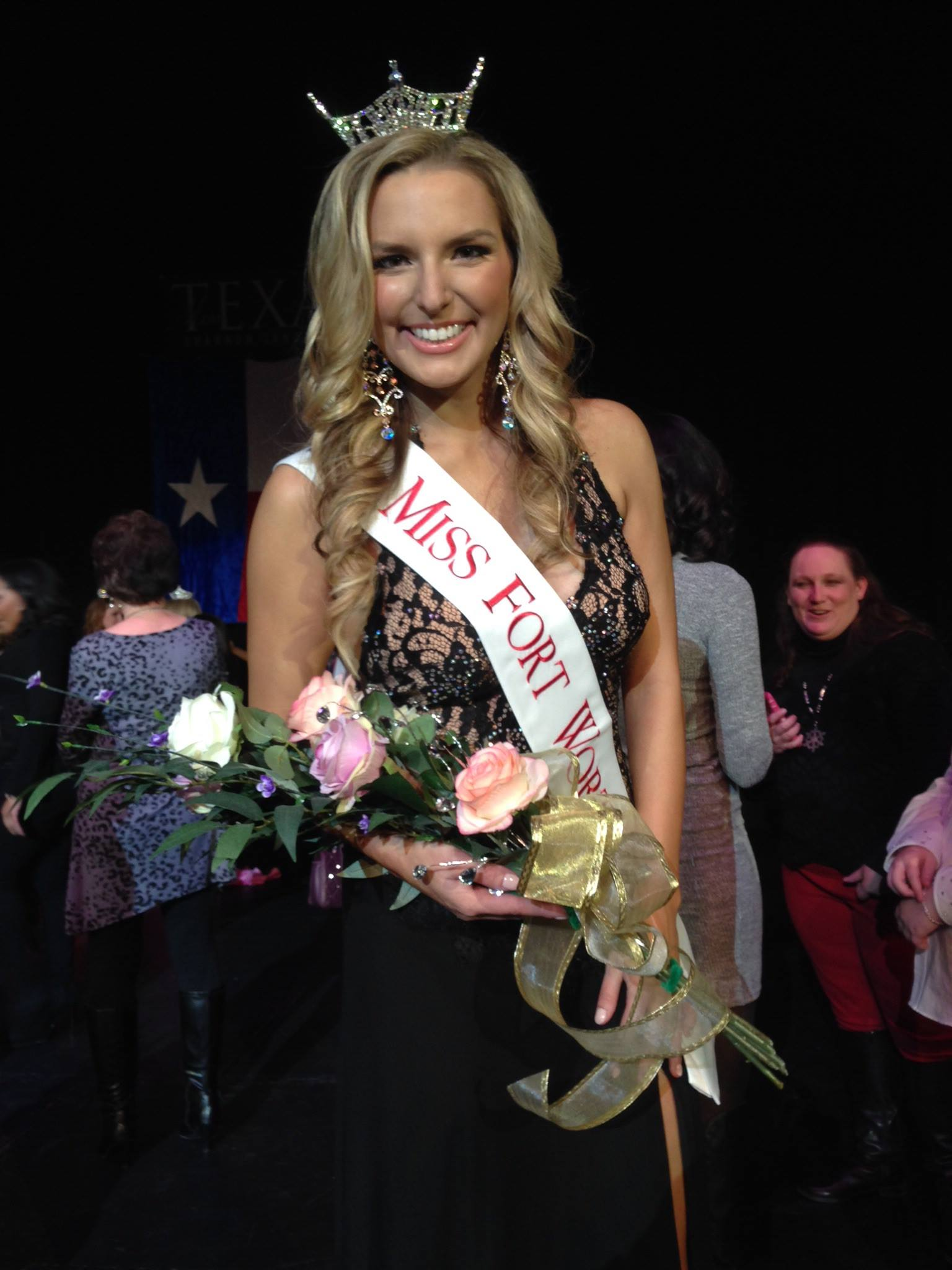 Miriam Tew was crowned Miss Fort Worth on Nov. 28 at the Fort Worth Academy of Fine Arts