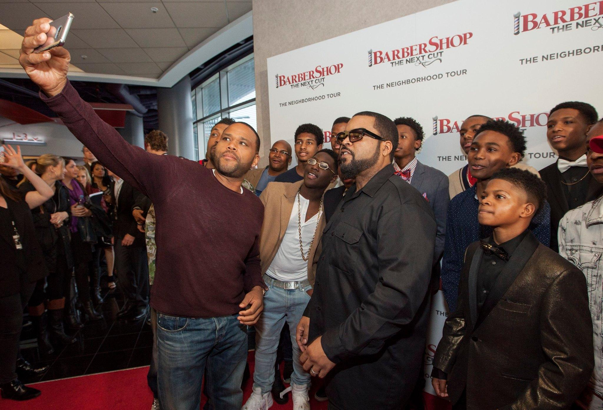 """Anthony Anderson and Ice Cube in Chicago while promoting """"Barbershop: The Next Cut."""""""
