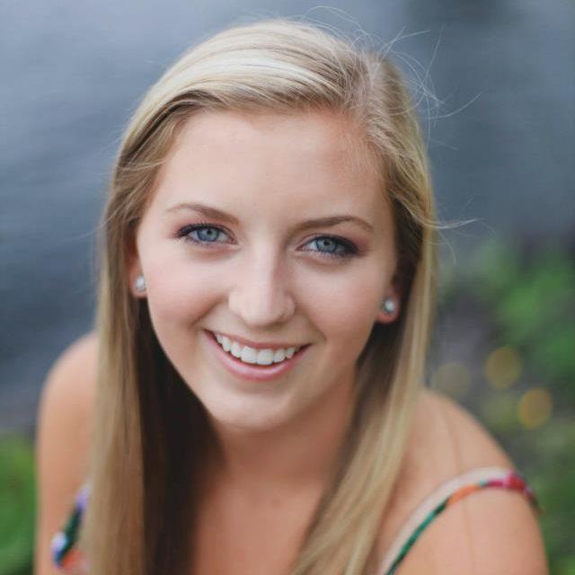 Hannah Stabingas : Account Executive