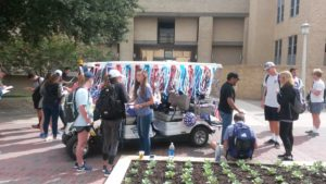 SGA representatives help students get registered to vote (Cole Polley, TCU360)