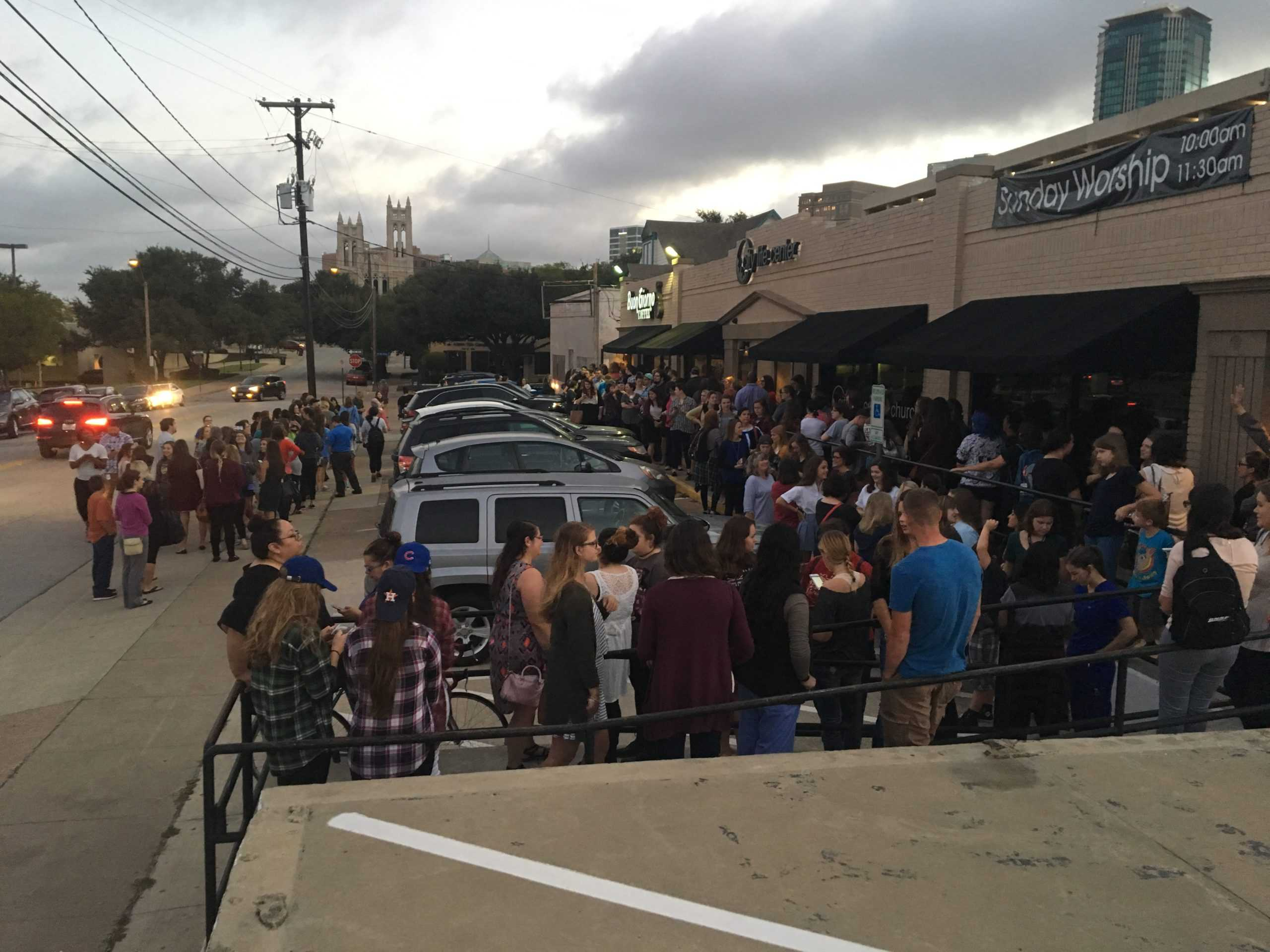 The line outside Buon Giorno at 7:15, Wednesday morning. (Colleen Mortell/TCU 360).