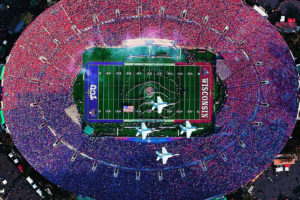Aerial view of the 2011 Rose Bowl (http://es.discoverlosangeles.com/blog/rose-bowl-stadium-story-la-icon)