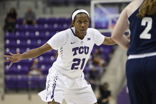 Coleman's leadership fosters growth for women's basketball teammates