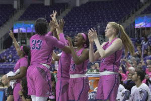 Women's basketball dominates Kansas State to end losing ...