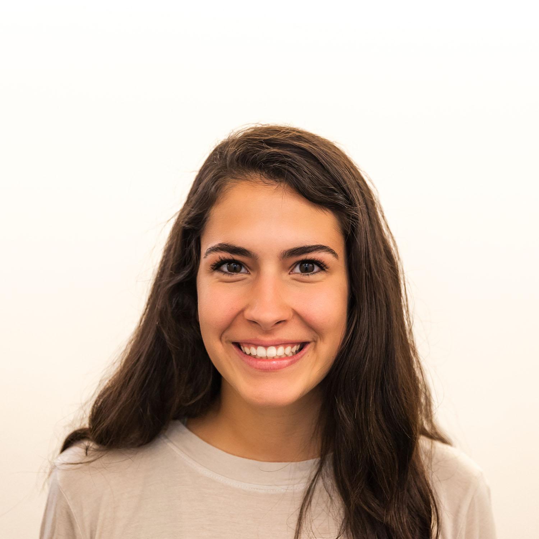 Mariana Rivas : Web Editor