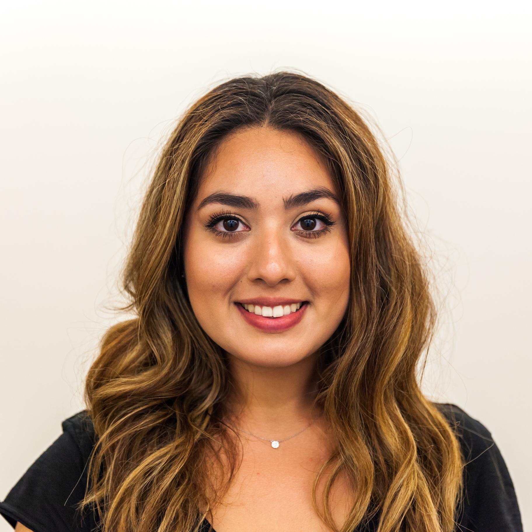 Carolina Olivares : Managing Editor